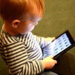 toddler_ipad_bytia-henriksen